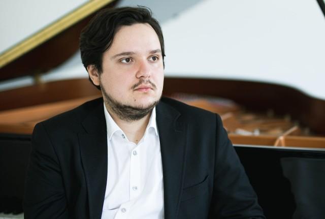 Jakub Kuszlik, pianista z Bochni, wystąpi w Konkursie Chopinowskim