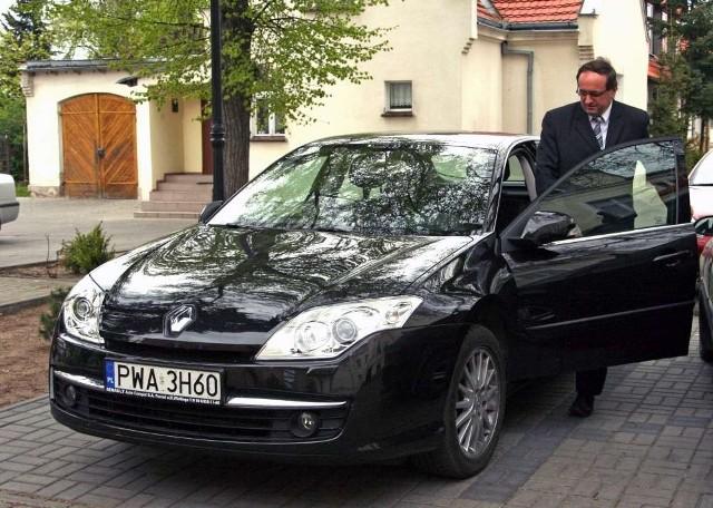 Za użytkowanie prywatnego renault starosta wągrowiecki Michał Piechocki odebrał ponad 3 tys. zł