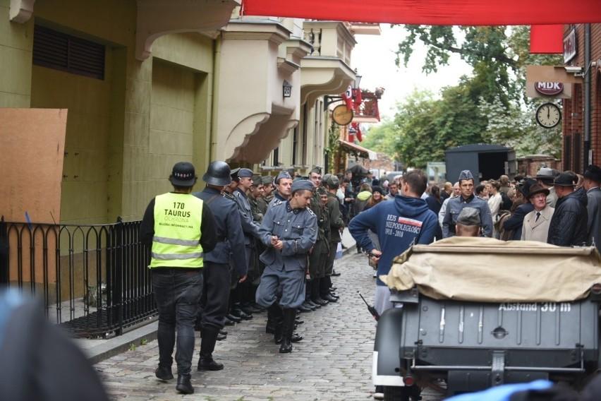 Ulice Torunia zamieniły się dzisiaj (23.09) w plan filmowy....