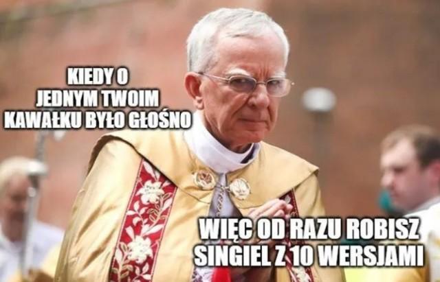 """Abp Jędraszewski ostrzega przed """"ideologią singli"""". Co na to internauci? Zobacz memy  Zobacz kolejne zdjęcia. Przesuwaj zdjęcia w prawo - naciśnij strzałkę lub przycisk NASTĘPNE"""