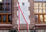 Pamiątkowa tablica na PUM odsłonięta [ZDJĘCIA, WIDEO]