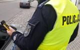 48-latek z powiatu nyskiego miał ponad trzy promile i jechał ulicami Nysy. Na jednej ze stacji paliw zatrzymał go przypadkowy kierowca