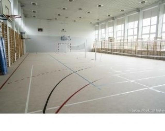 Tak prezentuje się po remoncie sala sportowa w Publicznej Szkole Podstawowej numer 4 w Radomiu.