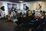 Gitarzyści Nocnego Kochanka poprowadzili warsztaty muzyczne z grupą fanów. Wrócą do Gdańska na miejskiego Sylwestra