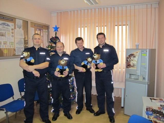 WOŚP w Jaworze z maskotkami Policji - na licytację wystawieni zostaną Komisarze Lwy.