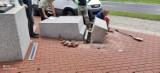 Pomnik Lecha Kaczyńskiego staranowany? Policja wyjaśnia zdarzenie na alei Wojska Polskiego w Szczecinie