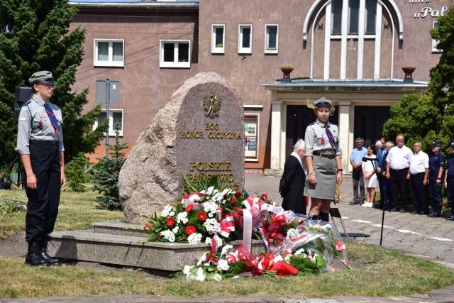 Po złożeniu kwiatów przy pomniku Polskiego Państwa Podziemnego, przyszedł czas na krótką modlitwę.