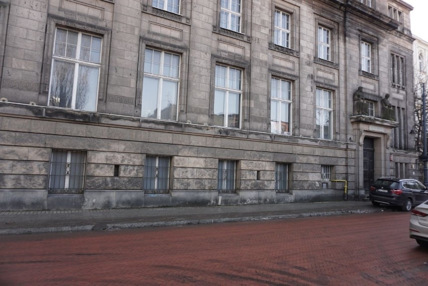 Dawny budynek bankowy z 1911 roku przy ul. Roosevelta 15 w...