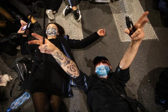 29.10.2020 Kraków, Strajk Kobiet blokowanie ulicy