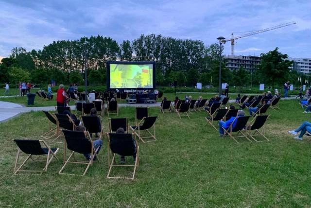 Pierwsze seanse odbędą się na leżakach w Parku Jana Pawła II