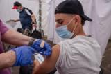 Niewielu chętnych na szczepienia przeciw Covid-19 w szkołach