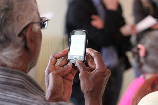 Fałszywi policjanci dzwonią do seniorów z Jastrzębia