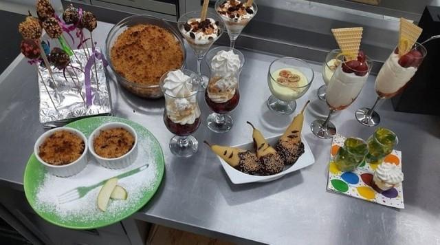 Na sam widok deserów, sporządzonych przez uczniów Zespołu Szkół im. Jana Pawła II w Kościelcu cieknie ślinka