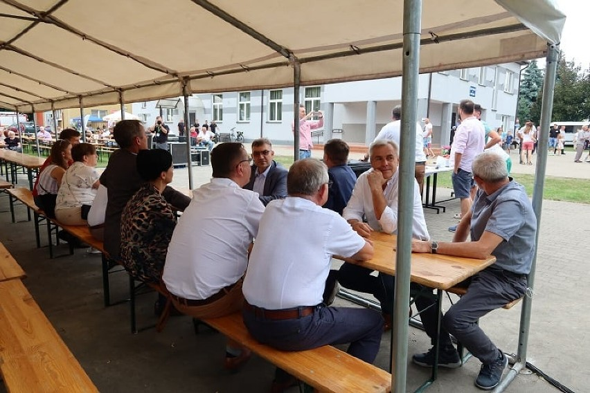 """Wielka impreza LGD Stowarzyszenie """"Długosz Królewski"""" w Rososzycy za nami. ZDJĘCIA"""