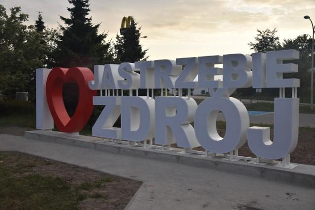 Zdania wobec instalacji stojącej nieopodal Ronda Centralnego w Jastrzębiu są podzielone.