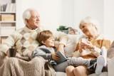 Setki życzeń z okazji Dni Babci i Dziadka! Wybieramy najsympatyczniejszych seniorów. Na laureatów czekają nagrody, a wśród nich samochód