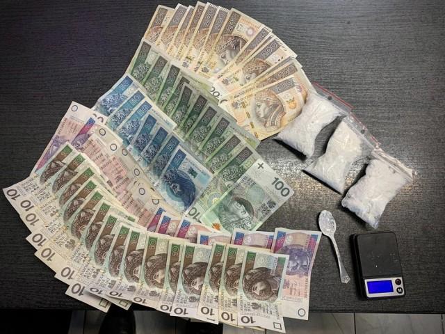 Narkotyki i pieniądze znalezione przy 37-letnim mężczyźnie