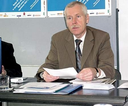 Prezydent Tadeusz Wrona przygotował list do premiera Kazimierza Marcinkiewicza.