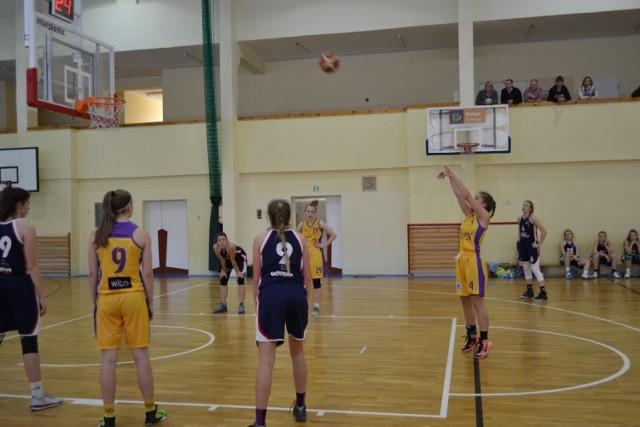 Juniorki i kadetki UKS Trops Kartuzy rozegrały kolejne mecze.