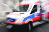 Karetka pogotowia zderzyła się z busem na ul. Wałowej w Oleśnicy