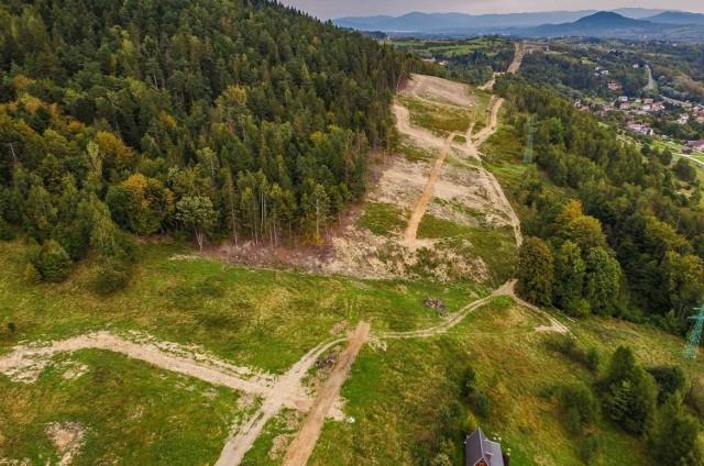 Budowa S1, tzw. obejścia Węgierskiej Górki we wrześniu 2020 r. To jeden z najdroższych odcinków dróg ekspresowych, budowanych w Polsce.  Zobacz kolejne zdjęcia. Przesuwaj zdjęcia w prawo - naciśnij strzałkę lub przycisk NASTĘPNE