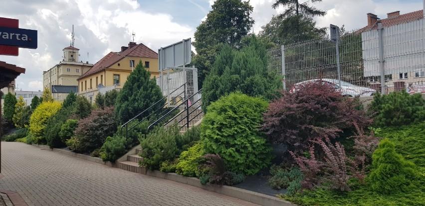 Wejście na teren Salonu Łazienek znajduje się naprzeciwko...