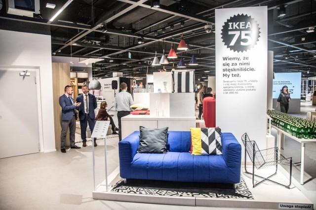 Ikea City, sklep w galerii Blue City w Warszawie to nowatorski koncept sklepów. Towar możemy zamówić on line, a w sklepie tylko obejrzeć