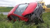 Hajduki Nyskie. Na drodze powiatowej zderzyły się dwa samochody osobowe, dwie osoby zostały poszkodowane