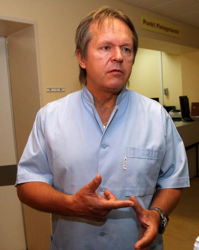 Prof. Adam Dziki zapowiada remonty w szpitalu w Brzezinach