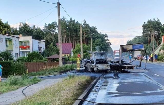 Na drodze krajowej nr 32 w Brzózce zderzył się samochód osobowy z dostawczym.
