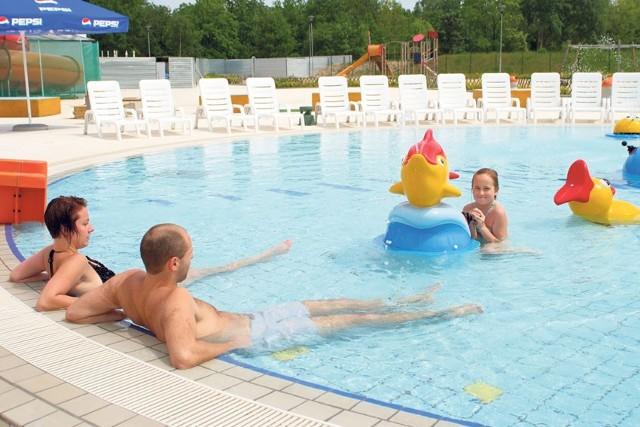 Woda w basenie pod chmurką miała w niedzielę 26 st. C, a w brodziku dla dzieci była cieplejsza jeszcze o 6 stopni.
