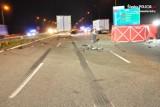Tragiczny wypadek na autostradzie A1 w Wieszowej. Osobówka  zderzył się z tirem. 27-letni kierowca zginął na miejscu
