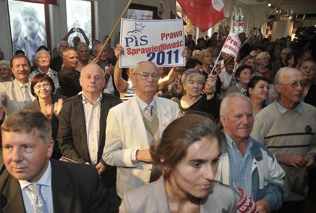 Przybyli goście na spotkanie z Jarosławem Kaczyńskim