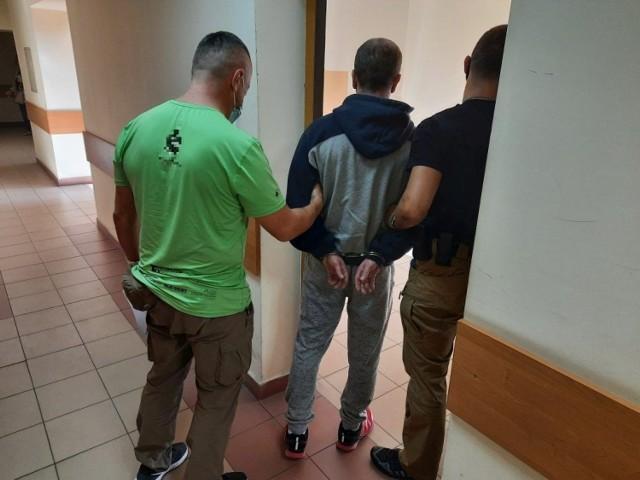 Mężczyzna zatrzymany przez ostrowieckich policjantów