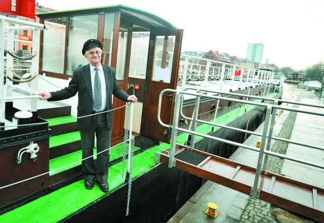 Wprawdzie wycieczkę na wyremontowaną barkę Lemara zorganizowano ...