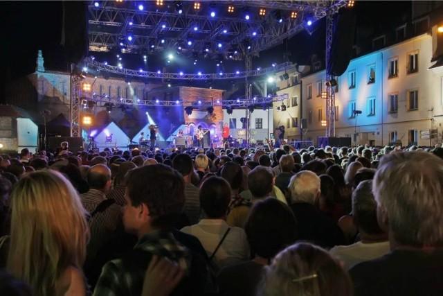 Szalom na Szerokiej to najbardziej wyczekiwana atrakcja Festiwalu Kultury Żydowskiej w Krakowie. Będzie to wędrówka po świecie żydowskim, jak też podróż w czasie do wcześniejszych edycji FKŻ.  04.07.2015 18:00