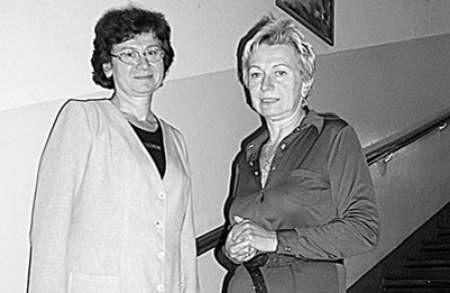 Dyrektorka Maria Sembol (z lewej) oraz pedagog szkolny Sydonia Szeliga, uważają że ważny jest bliski kontakt z uczniem. Andrzej Czerny