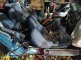 Tragiczny wypadek w Mieczewie koło Kórnika: Samochód uderzył w drzewo. Nie żyje dwóch 18-latków, trzeci jest w szpitalu