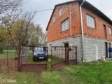 Na sprzedaż wystawiono dom pod Bolimowem z działką 2,5 ha. Cena wyjątkowo niska