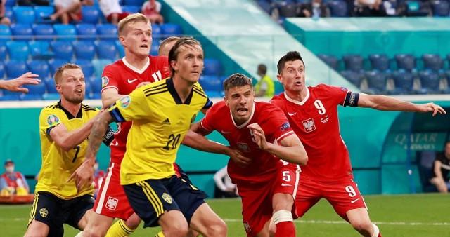 Karol Świderski, Jan Bednarek i Robert Lewandowski vs Szwedzi
