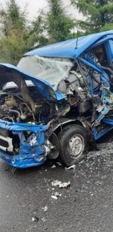 Wypadek na DK 42 między Radomskiem a Przedborzem. W gminie Masłowice zderzyły się 3 samochody