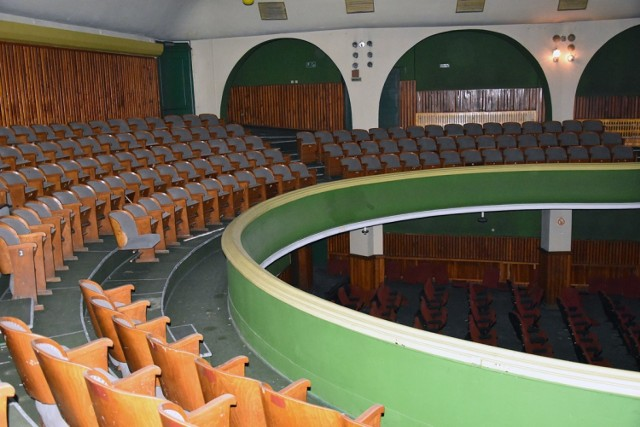 Kino Ognisko stoi puste od 11 lat. Zobacz jak wygląda obecnie.