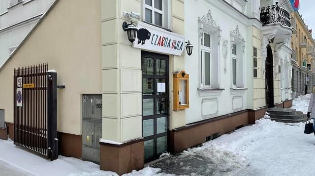 Restauracja Czarna Owca otworzyła się pomimo zakazu.
