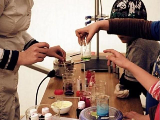 Pokazy chemiczne podczas 13. Toruńskiego Festiwalu Nauki i Sztuki