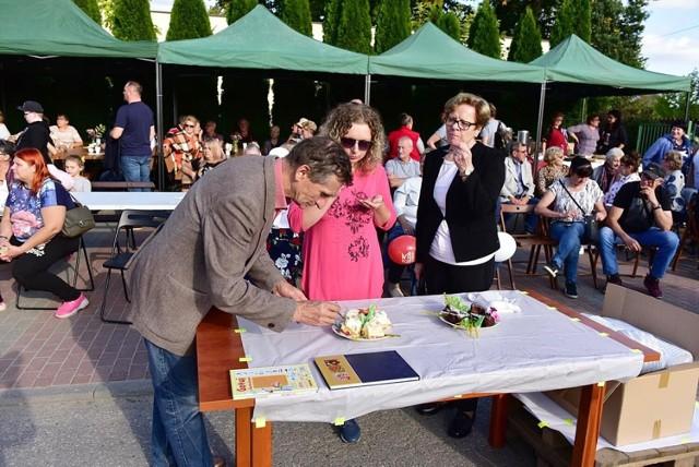 Festyn tradycyjnie już odbył się przed siedzibą stowarzyszenia w Rakowcu