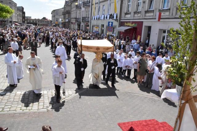Boże Ciało Śrem: wierni ze śremskiej Fary przeszli ulicami miasta