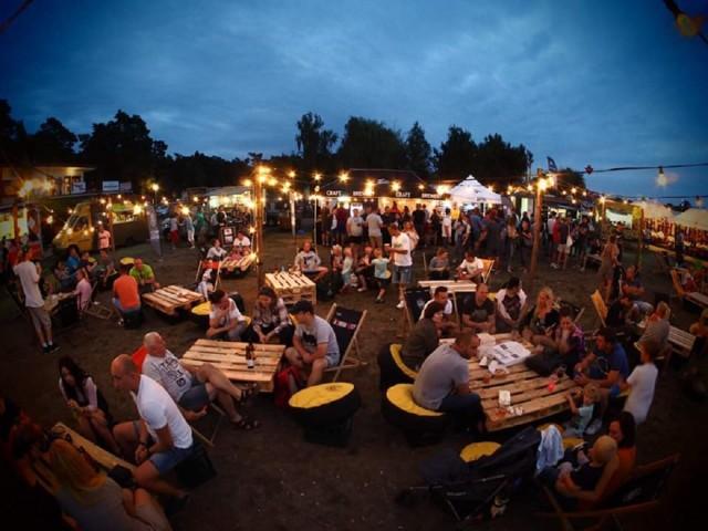 Food tracki i rzemieślnicze piwa zagoszczą w najbliższy weekend w Ślesinie