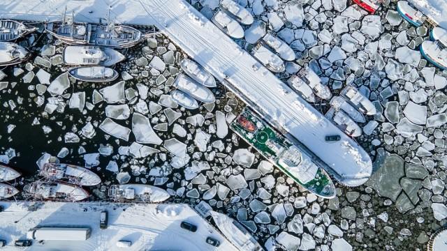 Ustka, letnia stolica Polski w zimowej szacie. Zobacz przepiękne wideo promujące Ustkę w zimowej odsłonie