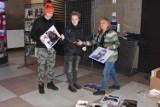 Wystawa pięknych zdjęć na głogowskim dworcu. Autorami są Grażyna i Stefan Sroczyńscy