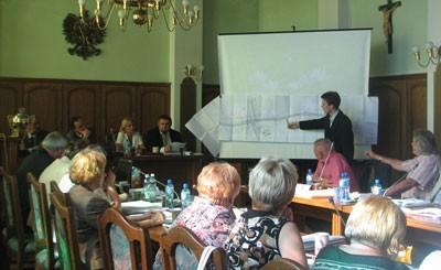 Wtorkowa sesja Rady Miejskiej w Czeladzi zamieniła się w burzliwą dyskusję na temat szerokości ulicy Staropogońskiej